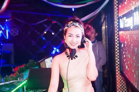DJ Trang Moon Quẩy Cực Xinh In H5 Club - Đồng Nai
